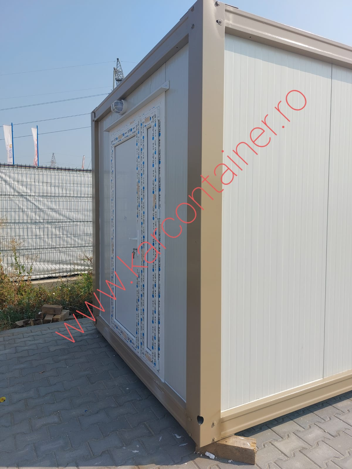 container 17